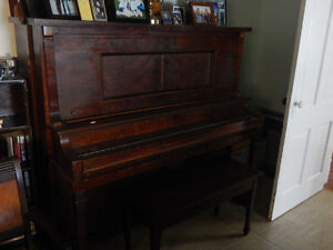 Upright Piano w/bench & Lamp