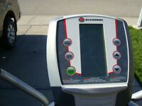 SCHWINN 420 ELLIPTICAL in A1 condition