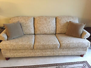 Couch -like brand new London Ontario image 1