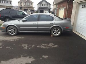 Selling 2003 Nissan Maxima Se 141000 KMs