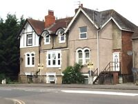 Studio Flat- Fully Furnished- Kingshill Road