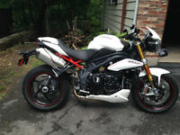 Triumph Speed Triple R 2013 full extras