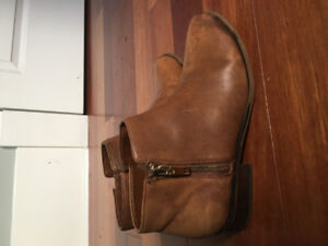 Womens Boots Size 8. Gently Used. ALDO and H&M