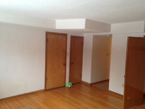 Bachelor Apartment available in Old Lakeview Regina Regina Area image 5
