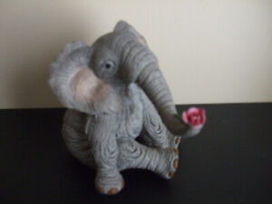 TUSKERS HAND PAINTED ELEPHANT