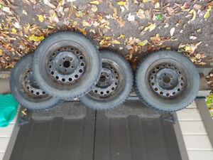 4 pneus sur Rims de Hyundai