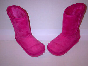 Girls PINK Fuggs Winter Boots Size 10 in MINT CONDITION