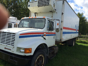 1991 International Body Job with Reefer and Power Tail Gate