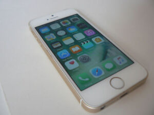IPHONE SE 16GB unlocked - condition is mint iphone is rose gold