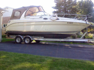 Cruiser Sea Ray sundancer 260  avec remorque Load ride 2010