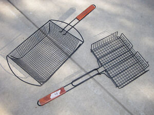 Grilling baskets with detachable handles