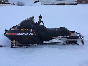 700 ski doo Mach 1