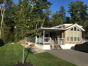 WASAGA BEACH / LAKES OF WASAGA UPSCALE PARK MODEL COTTAGE