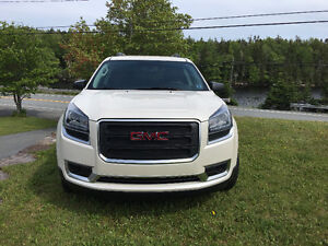 2015 GMC Acadia SUV, LADY DRIVEN LOW KMS
