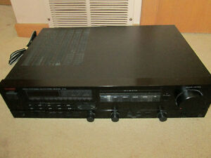 Luxman Digital Synthesized AM/FM Stereo Receiver R-113