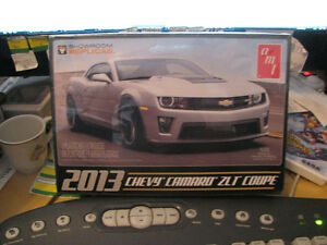 Chevy Camaro ZL1 Coupe 2013 Showroom Replicas.MIB Sealed