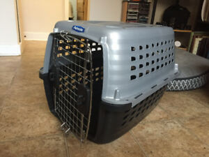 Petmate Crate / kennel for pet (small-medium dog or cat)