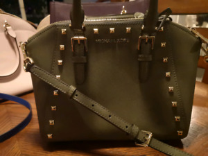 f44e7c12b012 Used Michael Kors   Kijiji in Barrie. - Buy, Sell & Save with ...