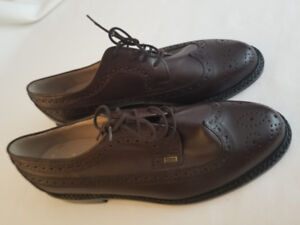 MEN'S CLARKS SHOES, BROWN, SIZE 9E, BRAND NEW!!!