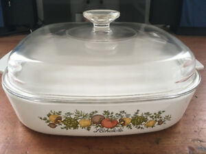 "Corning Ware, A-10-B, 2.5 litres, ""spice of life"", vintage"