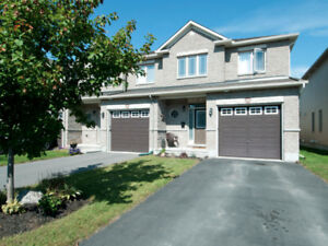 *** TOWN HOUSE for rent *** Orleans - 3 Bedroom