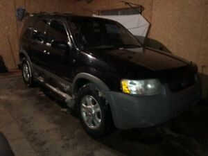 2003 Ford Escape XLT 4x4*Fully loaded*