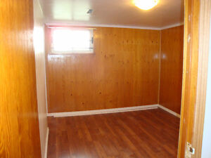 Small but Cozy basement suite in Parkallen for rent