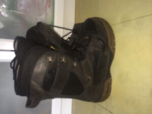 Vans snow board boots size 11 mens. Email or text 780-977-3382