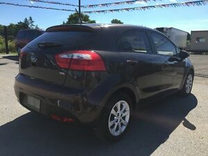 2013 KIA RIO LX * BLUETOOTH * LOW KM * LIKE NEW London Ontario image 6