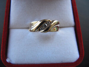 A brand new solid 10k gold ring Kitchener / Waterloo Kitchener Area image 3