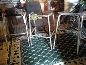 2 standing walkers/ medical boots/ raised toilet seats Sarnia Sarnia Area image 1