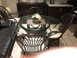 """48"""" ROUND GLASS TABLE WITH 4 SWIVEL CHAIRS"""
