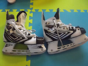 CCM Vector Hockey Skates