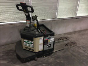 USED PALLET JACK FOR SALE!!!!!! PLEASE CONTACT!!!!!!