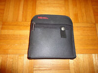 New CD/DVD Carrying Case, 15 Pockets