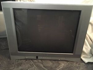 "27"" Flat MTS Toshiba TV ~ Excellent TV for video games"