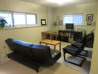 Shared Kensington apartment, available Oct 1