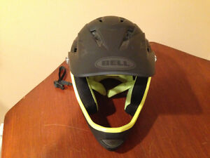 Bell Sanction Full Face Bike Helmet - Small