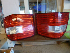2005 Ford Freestyle LS and RS tail light assemblies