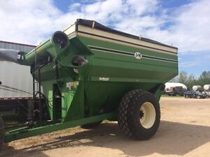 J & M 875 grain cart, tarp, PTO