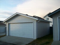 Detached Double Garage for storage !