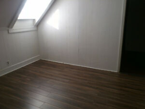 2 bedrooms apartment available