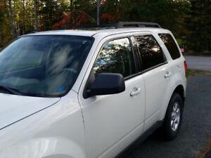 2010 Mazda Tribute GT SUV, Crossover