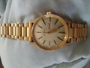 Nixon gold watch - like new!