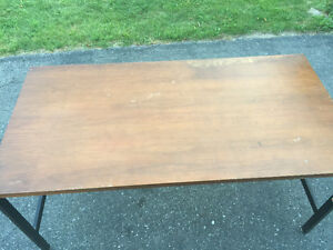 Price Reduced****Heavy Duty Table Cornwall Ontario image 2