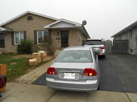 Move In Today -Large Bangalow Semi -Vacant 1400+Utilities