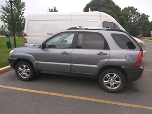 2005 Kia Sportage 4x4 Fully loaded - working and certified