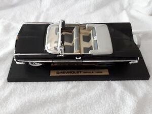 (2) 1959 Chevrolet Impala 1:18 Die-Cast Metal Convertible Car...