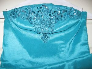 beaded bodice  dress size S,teal blue color,.made in  Canada Peterborough Peterborough Area image 2