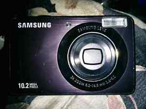 Samsung PL50 Digital Camera
